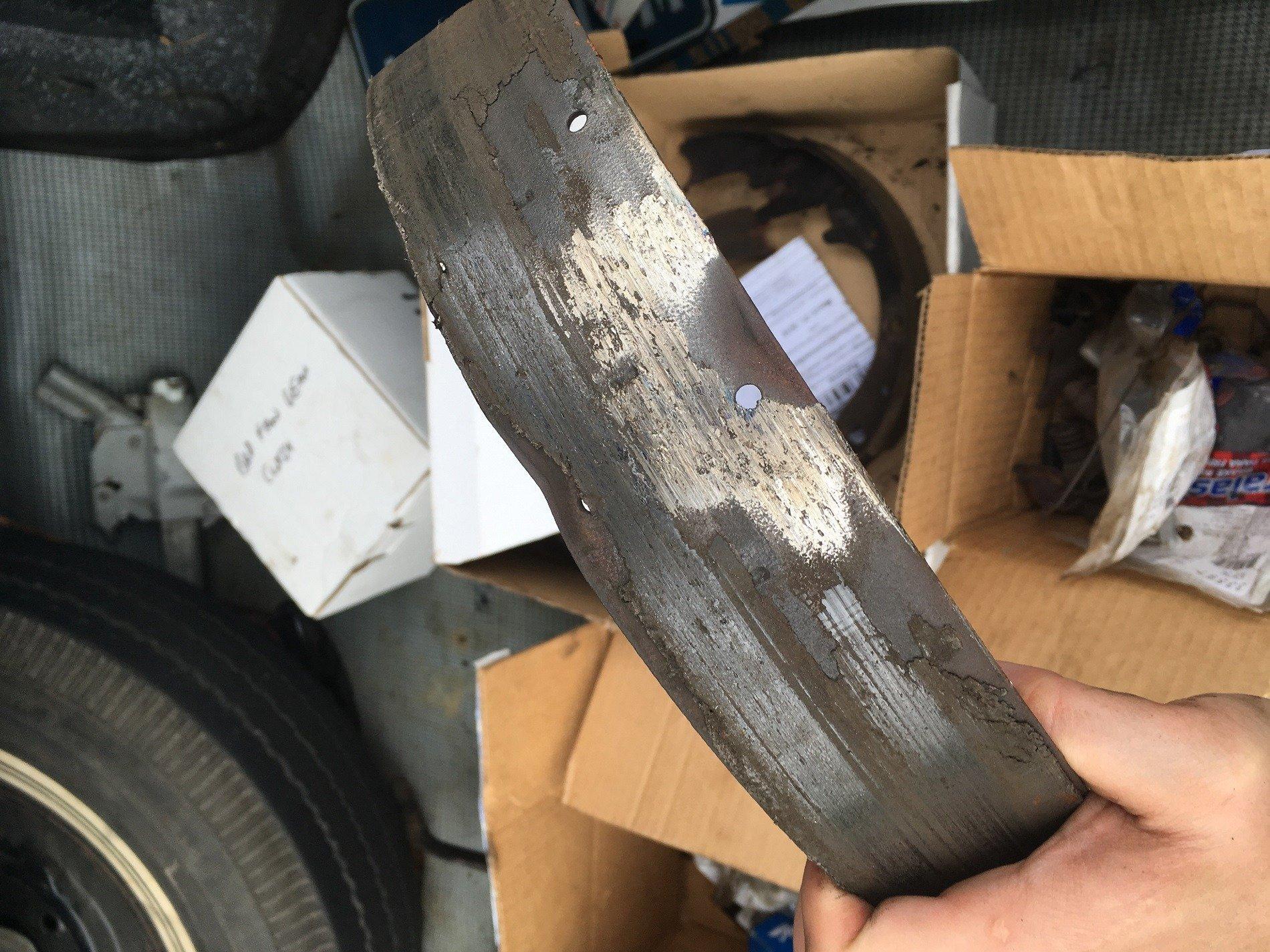 dead brake shoe