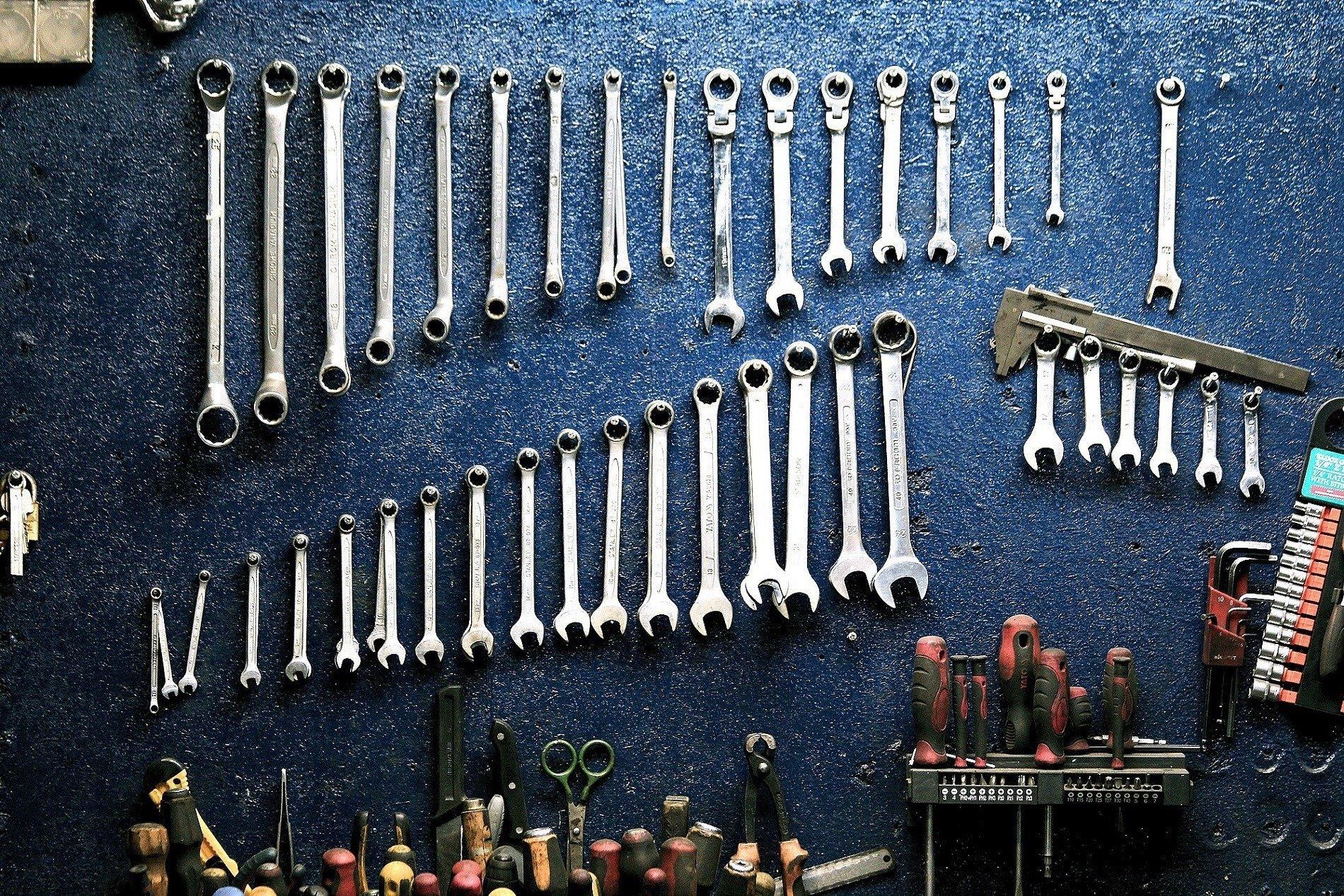 mechanic tools female customers